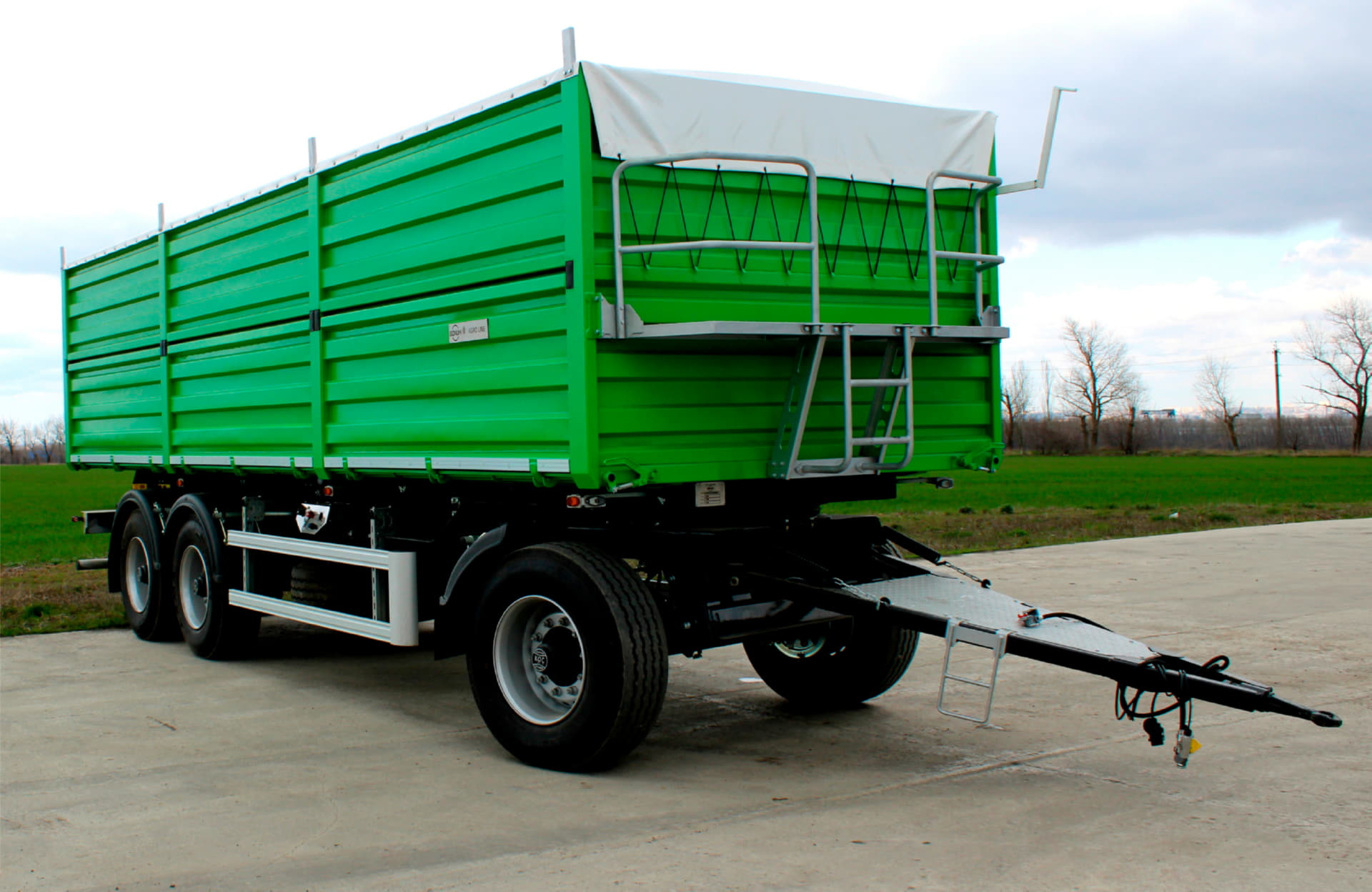 BONUM grain-carrier 30 m3 on air suspension